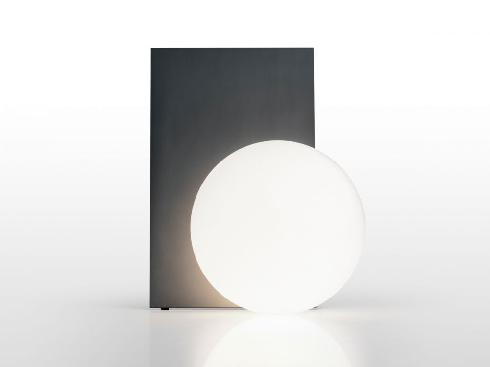 Flos-Extra-T-Table-Lamp-Anodised-Graphite-front
