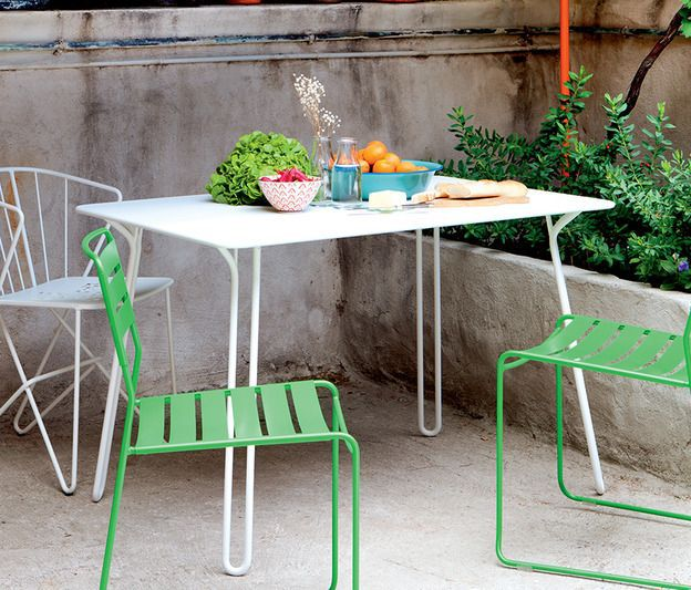 Table-et-chaises-Surprising-et-Flower_product_media_image_medium