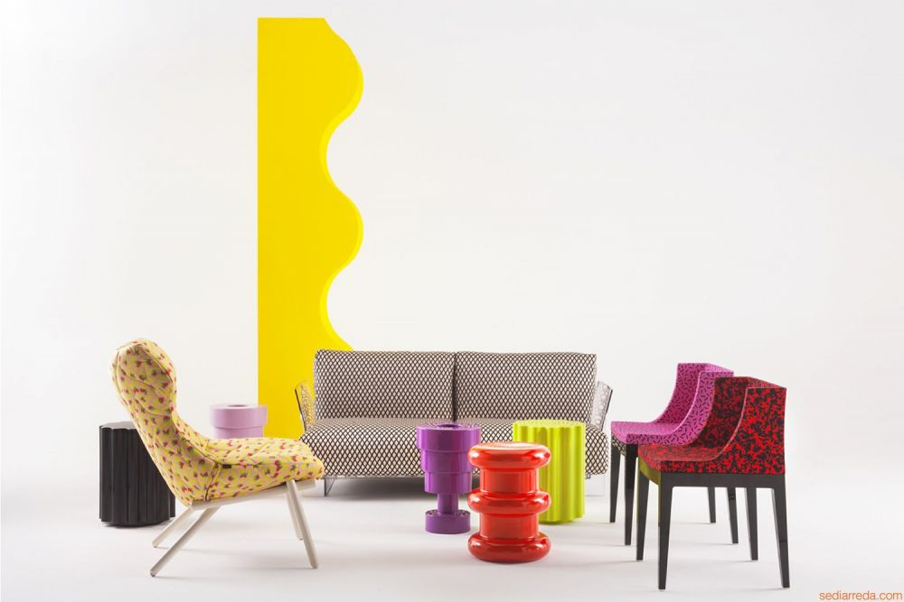 hires-calice-vase-de-design-avec-autres-articles-de-la-collection-kartell-goes-sottsass