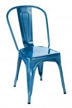 Chaise en métal de la marque Tolix en couleur bleu océan qui donne un coté tres déco  à votre salle à manger
