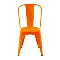 Cette chaise industriel orange est la model A de la marque Tolix en fintion mat.