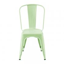 Cette chaise hyper looké amènera un esprit indus moderne à votre intérieur. Ce coloris vert anis mat très tendance est hyper frais.