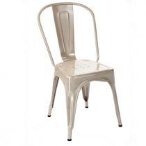 Chaise tendance en finition ivoire brillant de la marque Tolix.
