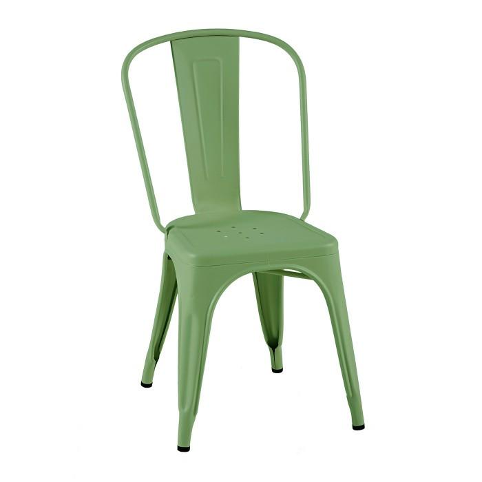 Chaise en peinture mat texturé. Elle est en acier et son coloris et vert romarin. La marque est Tolix