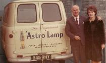 Lampe à lave Astro - Jaune lave bleu -  Mathmos