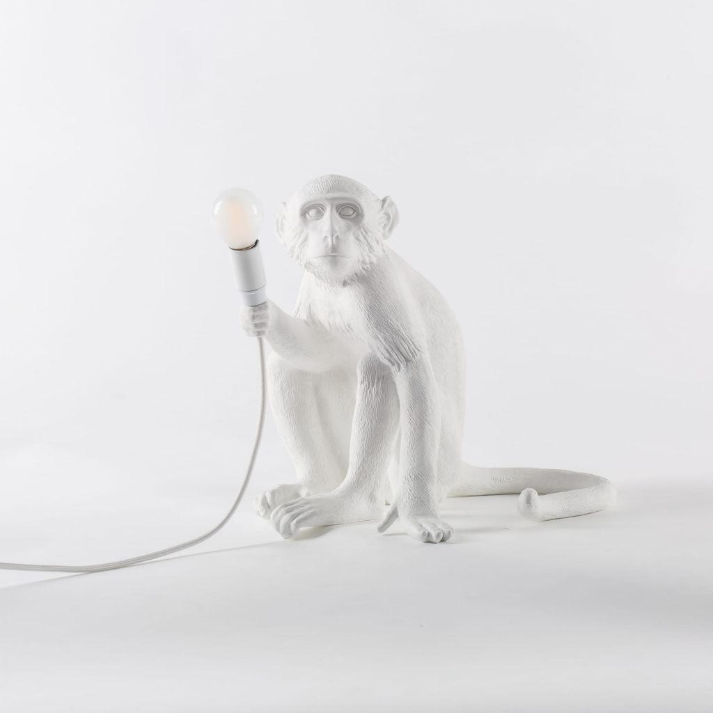 lampe-de-table-monkey-blanc-seletti-okxo-singe