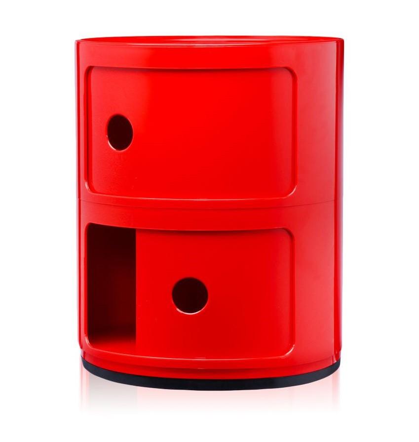 Meuble Componibili de la marque italienne Kartell de couleur rouge brillant.