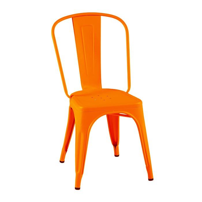 Chaise orange potiron tolix. Cette chaise est typique industriel. Elle est ici présenté dans sa finition mat texturé.